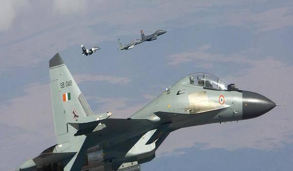 L'aviation militaire algérienne est doté de Sukhoi du même type.