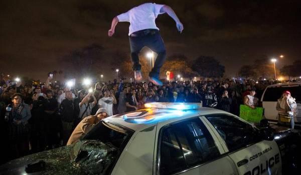 Des manifestations violentes ont eu lieu aujourd'hui aux USA.