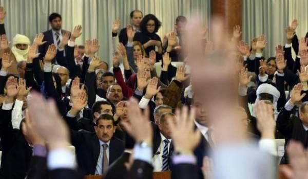 Chambre d'enregistrement sans pouvoir, l'assemblée est dépourvue de crédibilité.