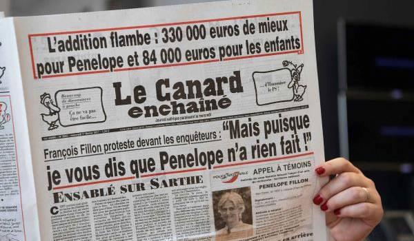 """""""Le Canard Enchaîné"""" revient sur les 45 000 euros d'indemnités de Mme Penelope Fillon"""