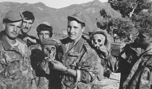 La France refuse encore de reconnaître les massacres commis en Algérie.