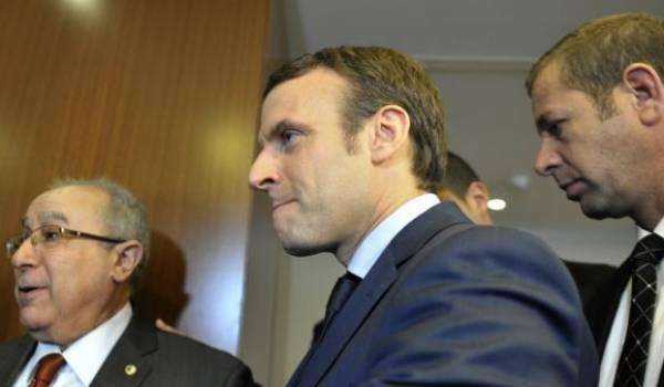 Emmanuel Macron est à Alger pour une journée et demie.
