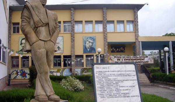 Ironie de l'histoire, la Maison de la culture Mouloud Mammeri interdit le débat et la culture en son sein.