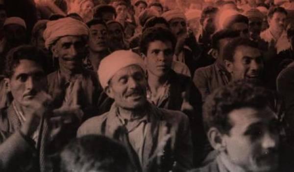 Des travailleurs algériens.