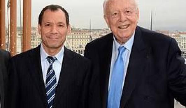 Le patron du consulat d'Algérie à Marseille avec Jean-Claude Gaudin, maire de Marseille.
