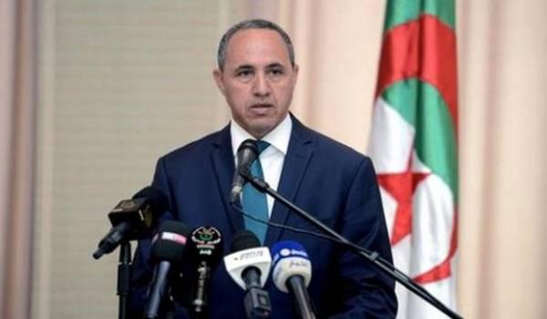 Le ministre de la Culture Azzedine Mihoubi n'a pas dit un mot sur les différents cas d'interdiction de conférences en Kabylie.