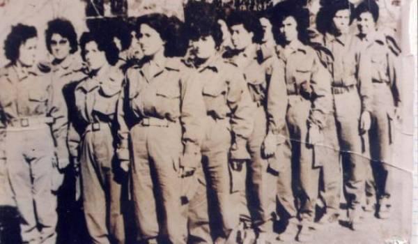 Des Algériennes.