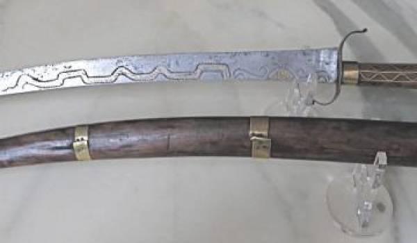 Iflissen connus entre autres pour leurs sabres effilés et redoutables.