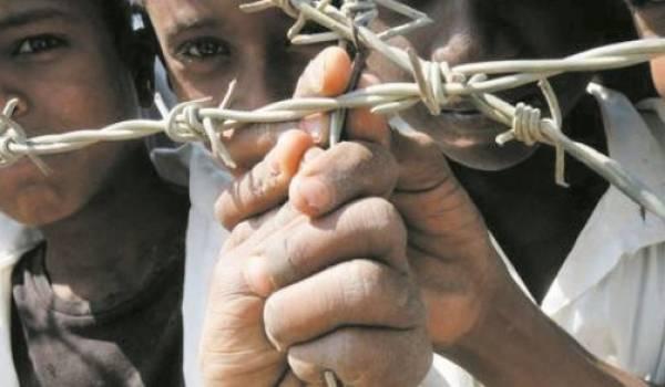 Des migrants dont des enfants ballottés entre le Maroc et l'Algérie