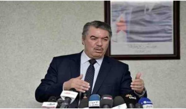 Le ministre Tahar Hadjar, tête de liste FLN à Tiaret.