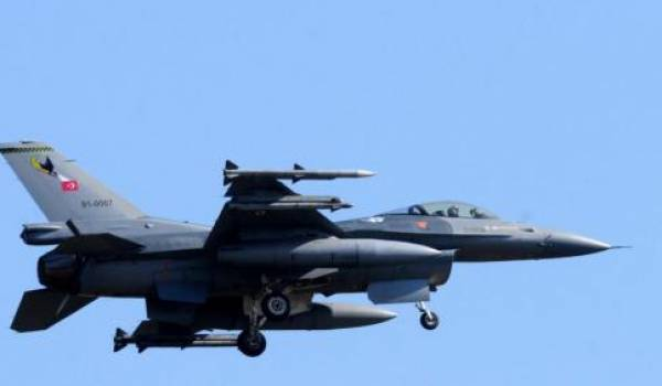 L'aviation turque mène des opérations sur le sol syrien contre les Kurdes.