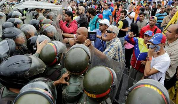 Les manifestations réprimées dans le sang ont coûté 28 morts selon le dernier bilan.