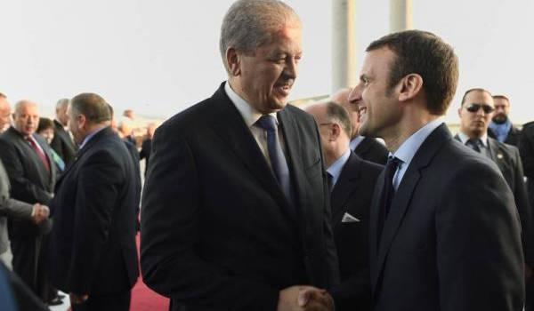 Abdelmalek Sellal recevant Emmanuel Macron