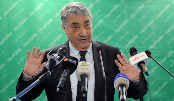 """Les boycotteurs comme Benflis sont traités de """"hraymiya"""" par Abdelkader Zoukh, le wali d'Alger."""