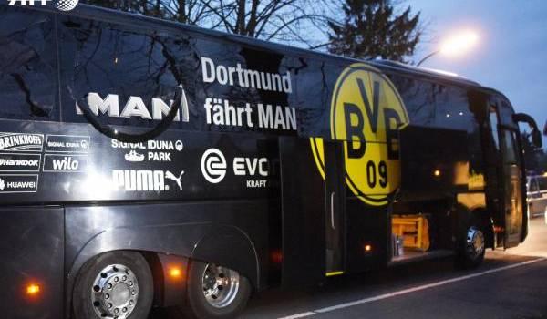 Le bus du club.