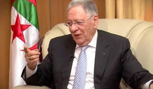 Djamel Ould Abbès, SG du FLN, est accusé d'être un usurpateur.