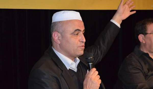 En grève de la faim, Kameleddine Fekhar est détenus avec ses compagnons mozabites sans procès.