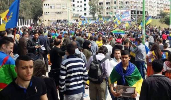 Des milliers de partisans du MAK ont battu le pavé et réclamé l'autodétermination de la Kabylie. Photo Siwel.