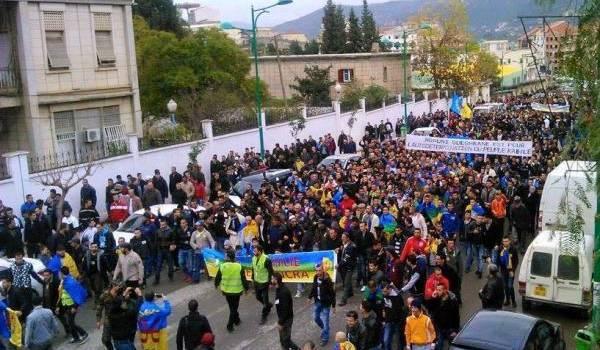 Devant le reflux du FFS et du RCD, le MAK s'est imposé sur la scène kabyle