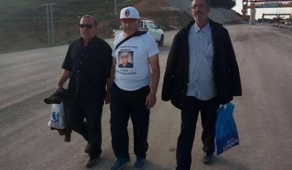 Les marcheurs pour la libération des détenus du Mzab.