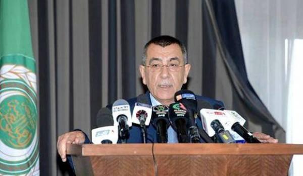 Le chef de mission d'observateurs arabes, M. Abou Ali