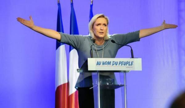 Marine Le Pen représente le courant de l'extrême droite dure.