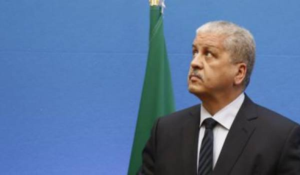 Abdelmalek Sellal s'est laissé aller à des guignolades qui ont fait beaucoup rire les Algériens.