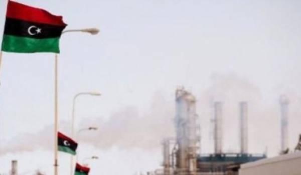 La production libyenne dépasse les 700.000 barils par jour (bj)