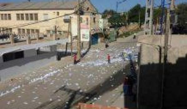 Des bureaux de vote ont été saccagés à Bouira, Sidi Ben Abbès, ...