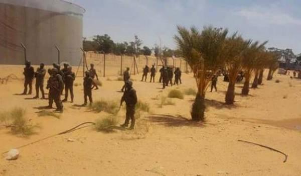 L'armée tunisienne est intervenue pour empêcher les manifestants de fermer une station de pompage de pétrole.