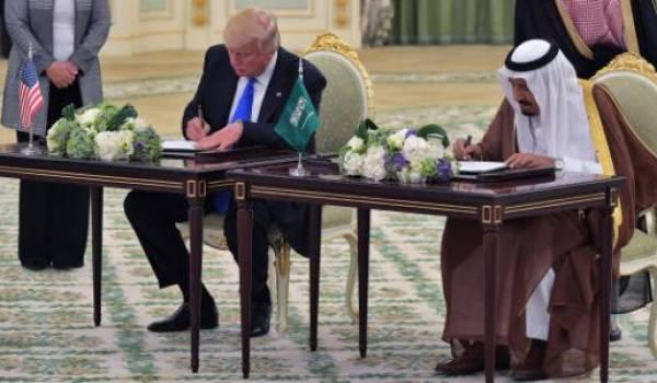 Trump et le roi Salmane signent pour plus de 380 milliards de dollars d'accords