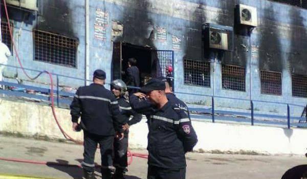 Le centre commercial a été ravagé par les flammes. Photo : Nour-Eddine Merabet.