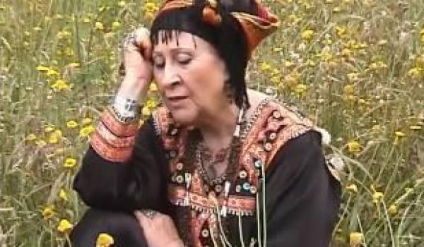 Louiza (74 ans) une chanson qui a bercé de ses chansons des milliers de fans et animé bien des fêtes.