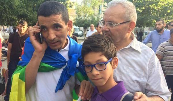 Nacereddine Hadjadj, son fils Anejlous (ange en mozabite) et son avocat Salah Dabouz.