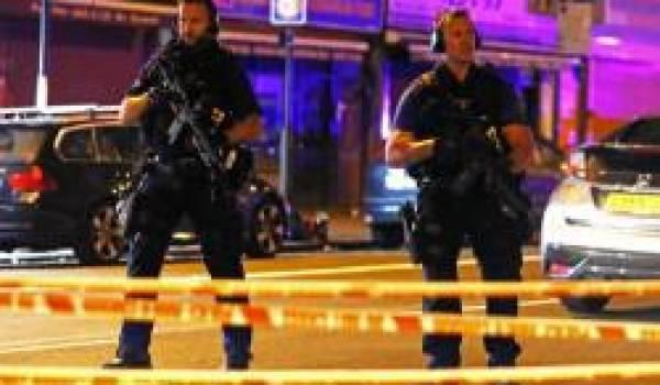 Un homme a foncé sur des musulmans qui sortaient de la mosquée à Londres.