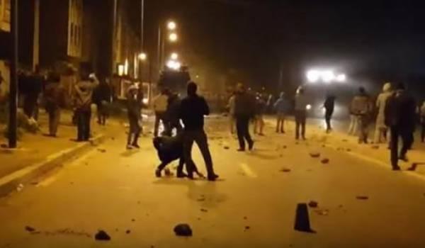 Affrontements entre manifestants et policiers à El-Hoceïma — Maroc