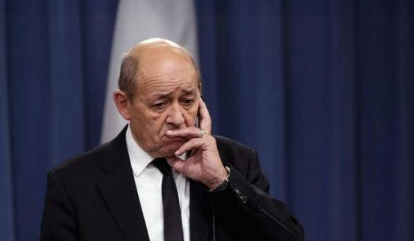 Paris et Alger veulent renforcer leurs liens