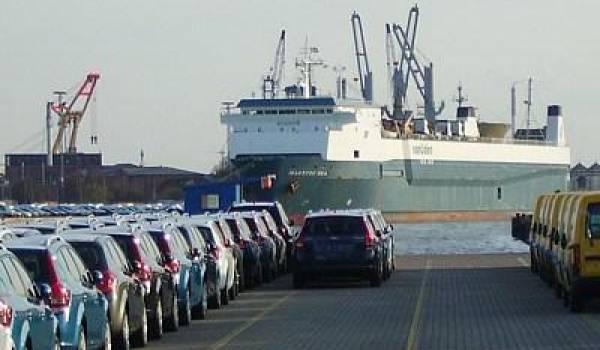 Les importateurs de fer et de voitures vont devoir patienter encore !