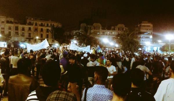 Rassemblement dimanche soir à Casablanca encerclé par les policiers.