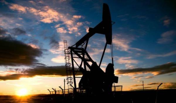 Le pétrole termine la semaine en hausse