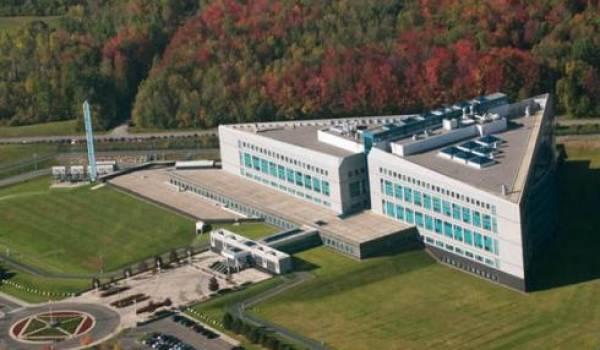 Le Service canadien du renseignement de sécurité (SCRS),