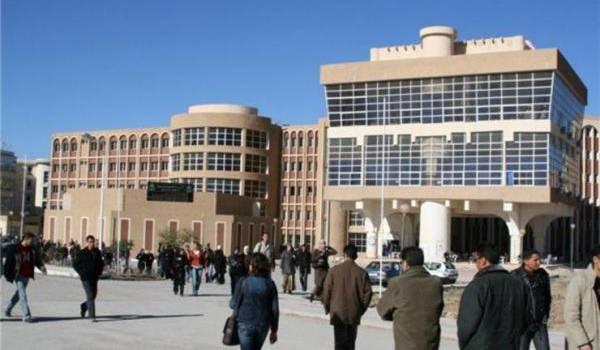L'université Hadj Lakhdar.