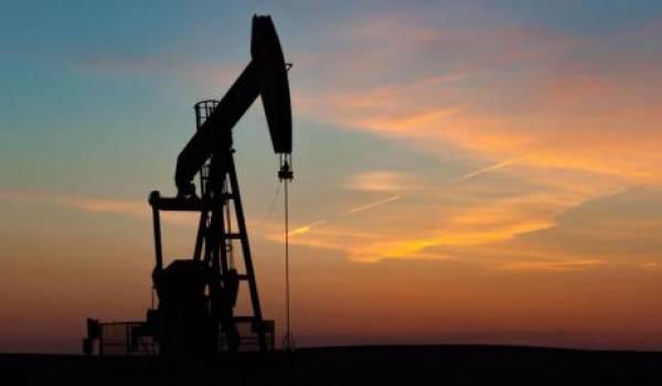 Le cours du pétrole joue avec les nerfs des pays producteurs