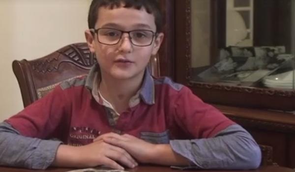 Khalil Soualhi , 11 ans , traine aujourd'hui de lourde séquelles à cause du botulisme