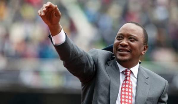 """Uhuru Kenyatta réélu président du Kenya, l'opposition dénonce une """"mascarade"""""""