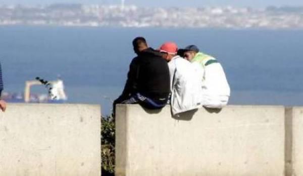 Les Algériens n'ont pour seul horizon que la rive nord de la Méditerranée.