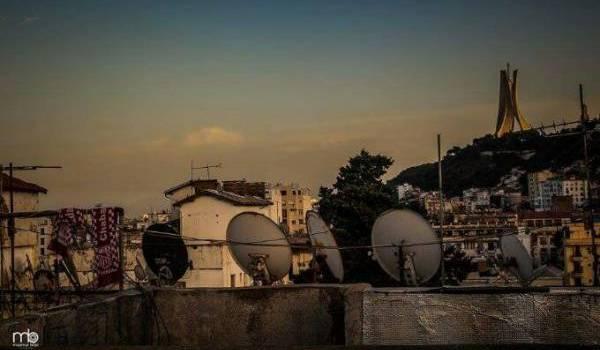 Pas d'implosion sociale à court terme en Algérie si ...
