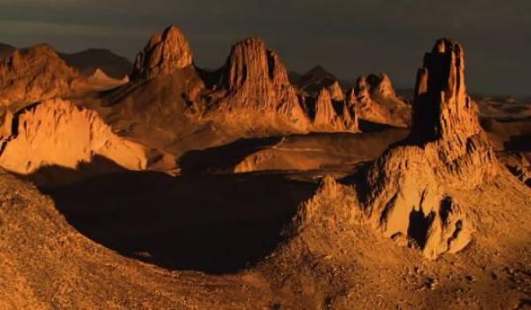 La géographie physique de l'Algérie, des noms et de la position des différentes chaînes de montagne sont mal enseignées.