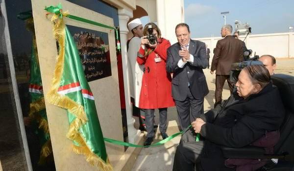 Bouteflika : quatre mandats (18 ans) et 16 ans ministre de Boumediene.