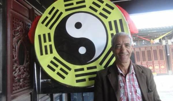 L'auteur dans un temple taoïste en Chine.